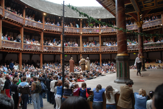 Globe theatre - audience watching King Lear